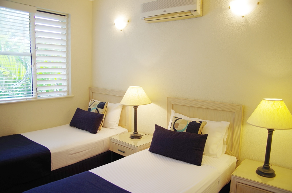 2 Bedroom Apartments Palm Cove Tropic Apartments: two bedroom apartments